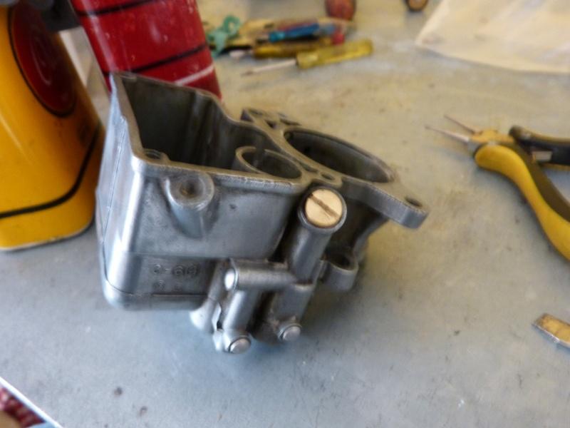 Remise à neuf du carburateur CARTER P1140812