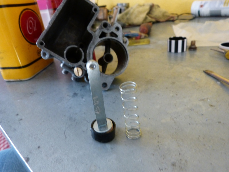 Remise à neuf du carburateur CARTER P1140816