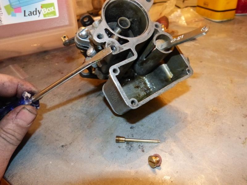 Remise à neuf du carburateur CARTER P1140823