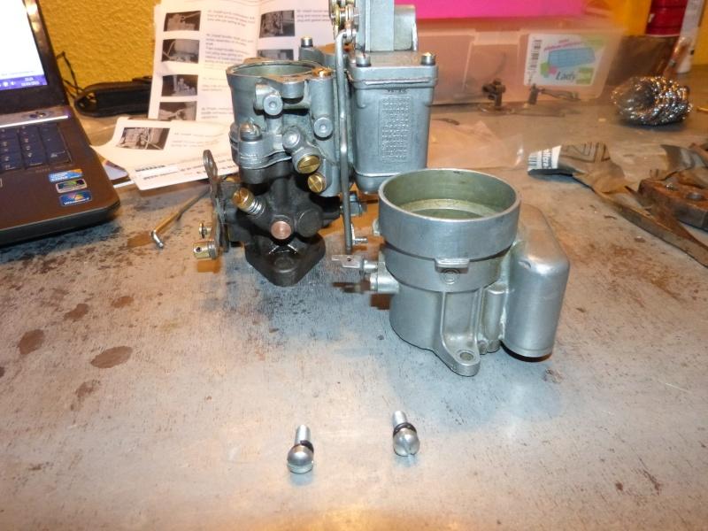 Remise à neuf du carburateur CARTER P1140842
