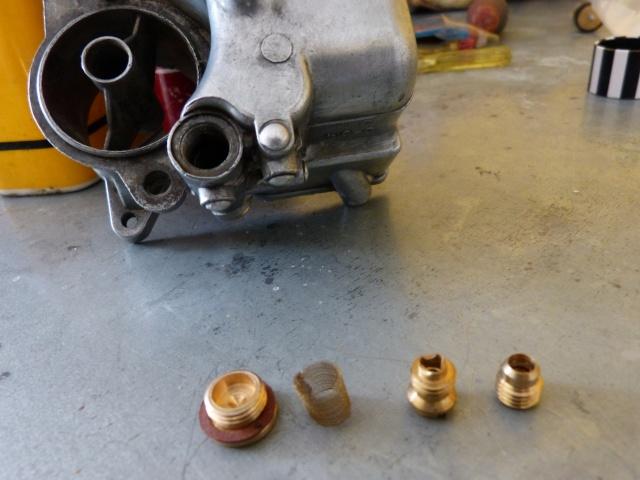Remise à neuf du carburateur CARTER P1140850