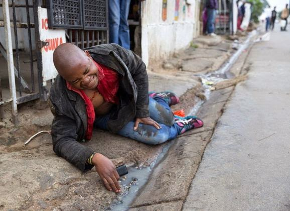 SA Xenophobic Attacks: The brutal death of Emmanuel Sithole  Xeno2b12