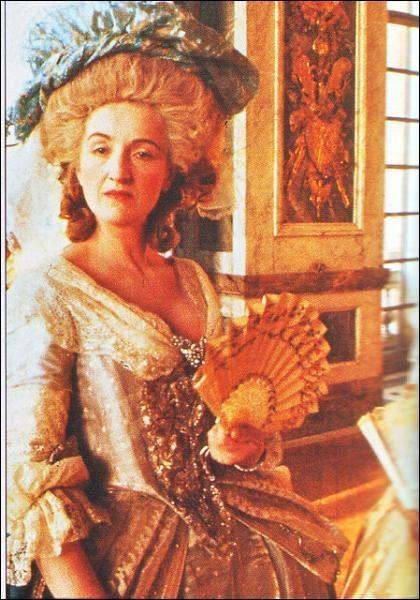 Traits de caractère de Marie-Antoinette - Page 3 07210