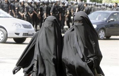 La Burqa  Burqa_10