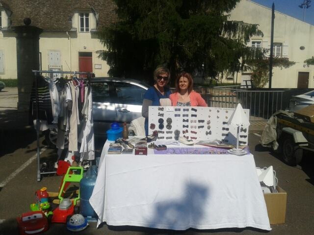 Vide grenier à Saint Germain du Plain (71) 11229510