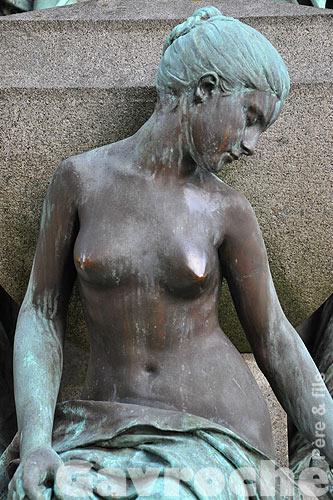 """ Silence de Pierre ""  Statue10"