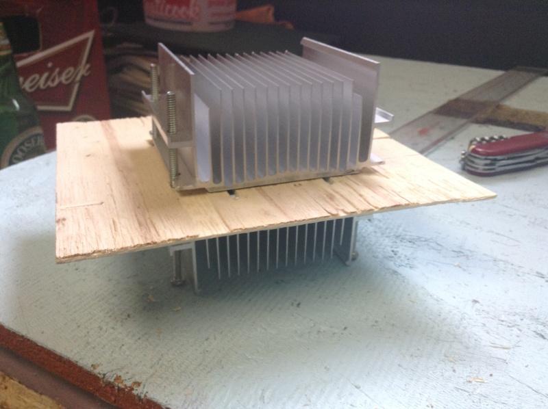 Projet: Chambre froide avec un élément Peltier. Img_0215