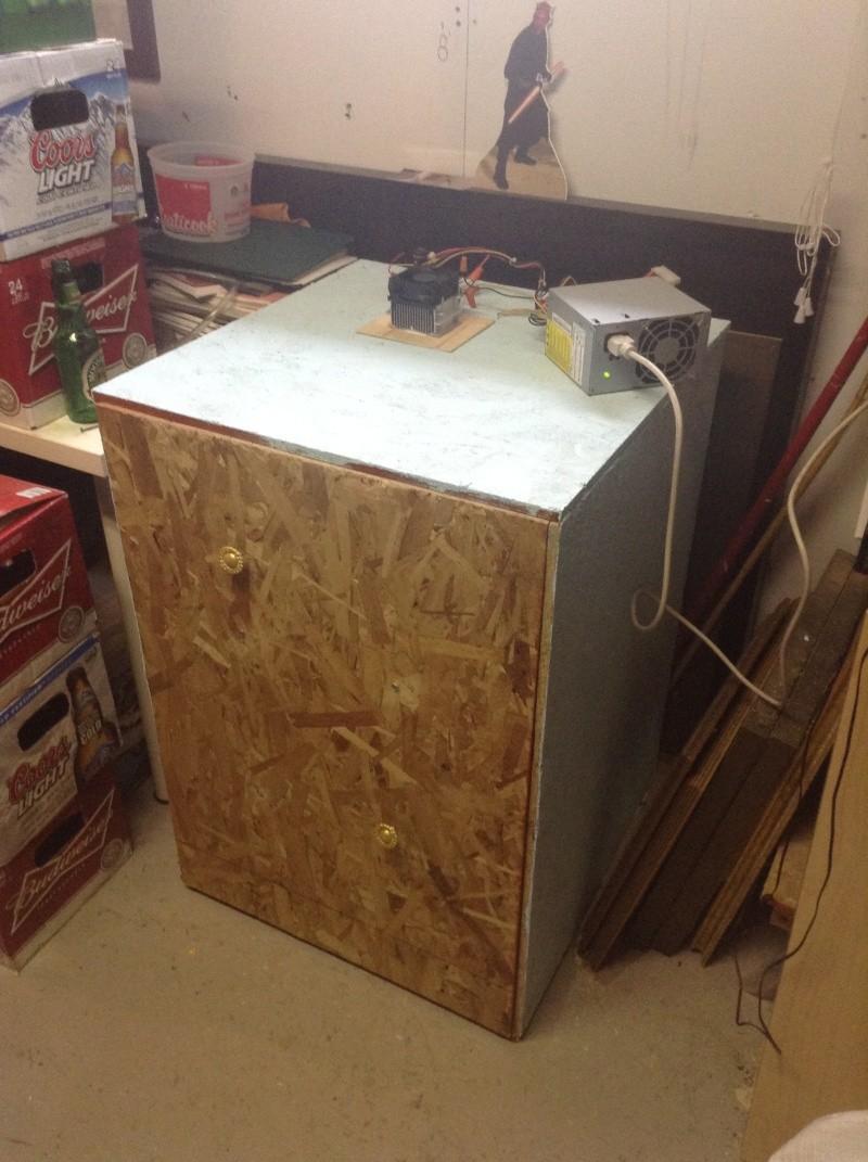 Projet: Chambre froide avec un élément Peltier. Img_0216