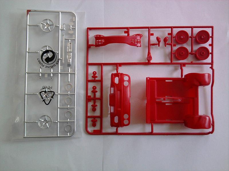 Revell Ferrari 360 Spider 1:24 05_13