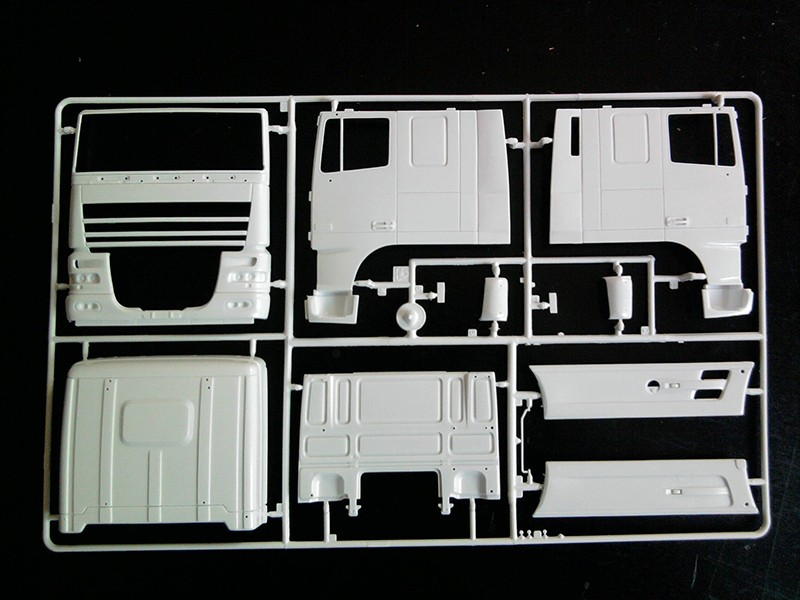 DAF XF-105 Space Cab, Italeri 1:24 07_11