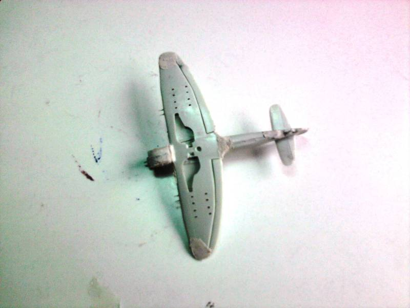 Revell Hawker Tempest 1:144 Foto4421
