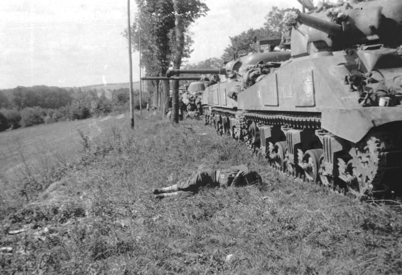 La 2/501 en route vers Châtel (sept. 1944) Bouque10