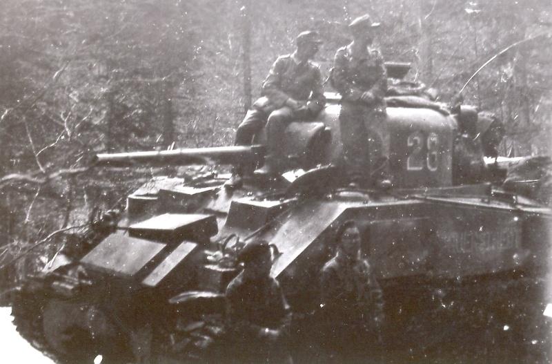 La 2/501 en route vers Châtel (sept. 1944) Auerst13