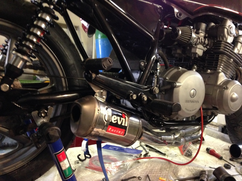 CB 750 1979, objectif Cafe Racer - Page 3 Img_0112