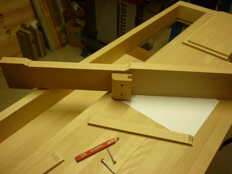 Construction d'un nouvel établi - Page 8 P1050442