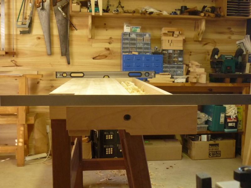 Construction d'un nouvel établi - Page 8 P1050453