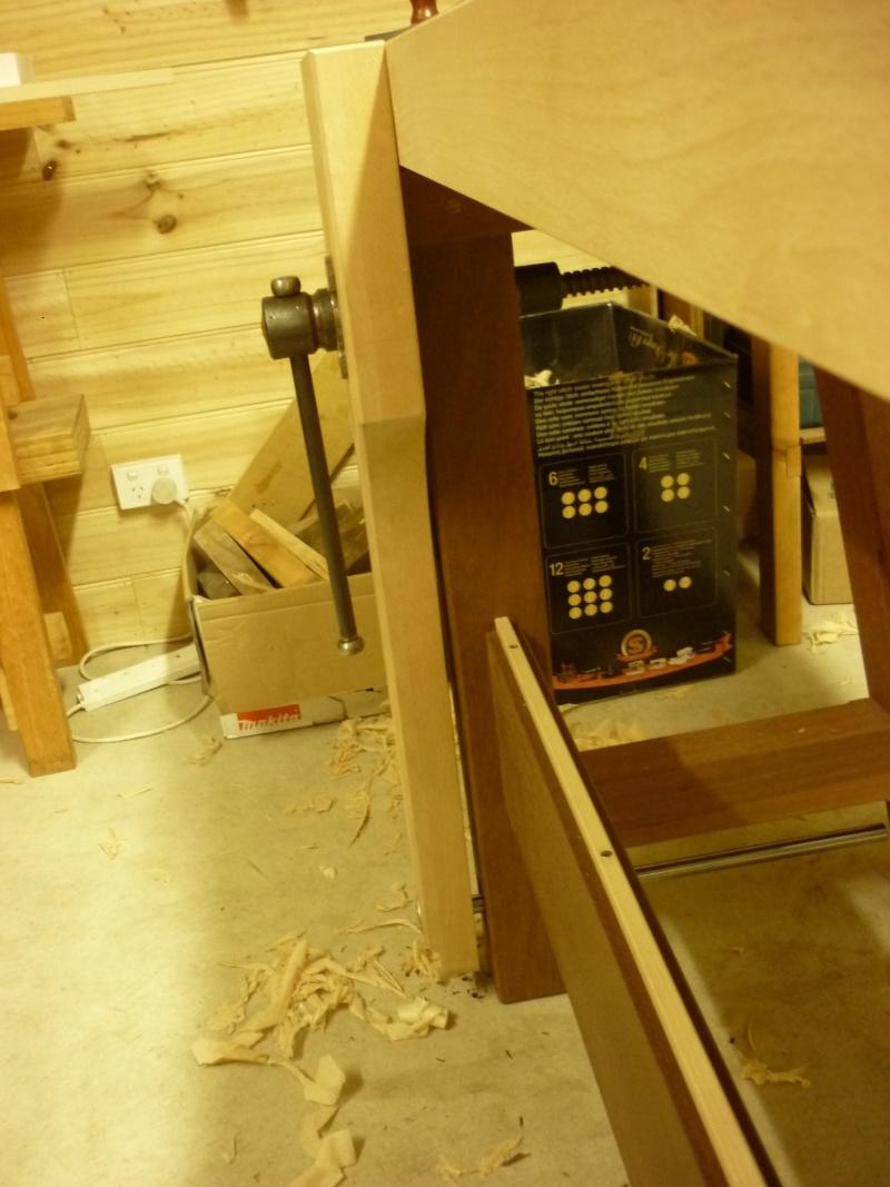 Construction d'un nouvel établi - Page 8 P1050460