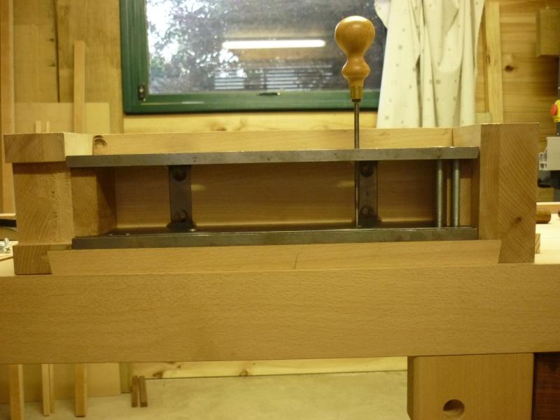 Construction d'un nouvel établi - Page 8 P1050522