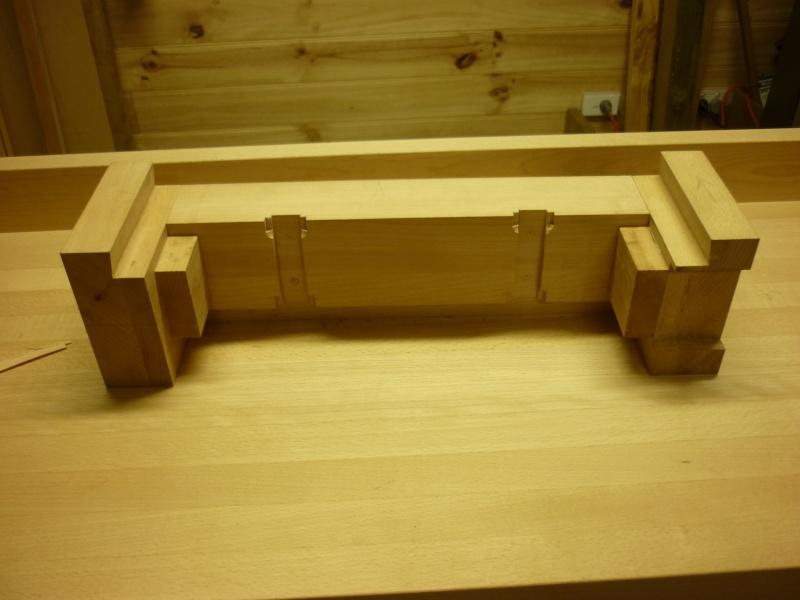 Construction d'un nouvel établi - Page 8 P1050524