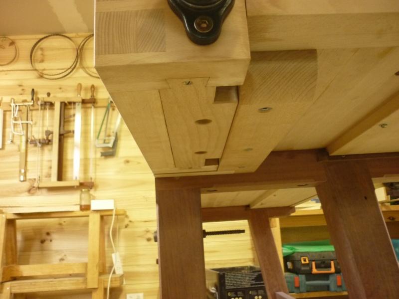 Construction d'un nouvel établi - Page 8 P1050549
