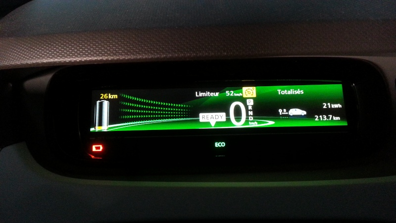 213,7 kilomètres avec 89% de batterie. 2015-028