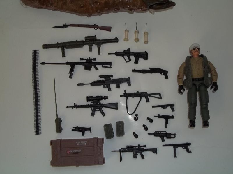 Burt Gummer ( guy w/ guns from movie Tremors) 100_1433