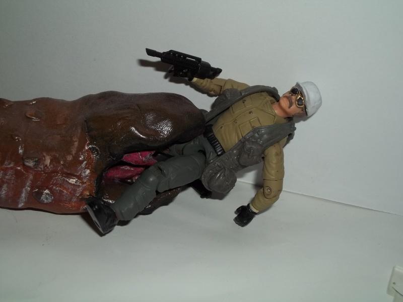 Burt Gummer ( guy w/ guns from movie Tremors) 100_1436