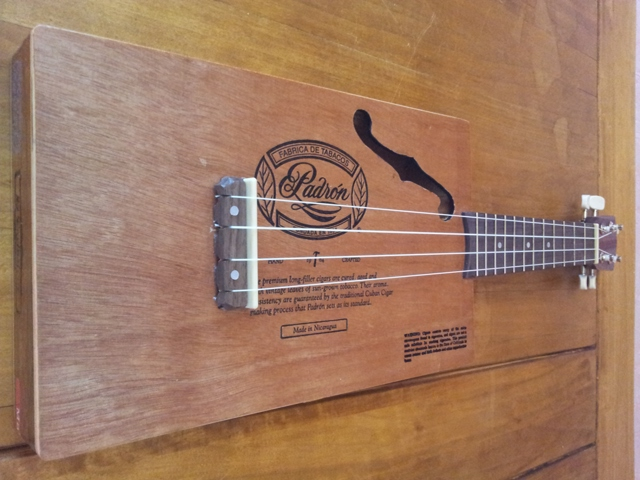"The ""Aloha ukulele"" by Deuns Deuns113"