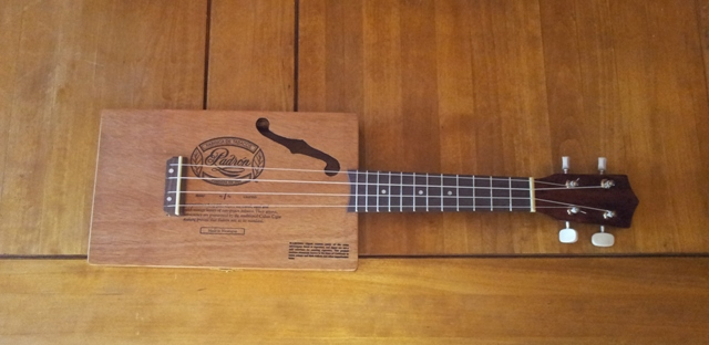 "The ""Aloha ukulele"" by Deuns Deuns115"