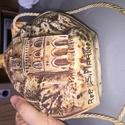 It looks like a flask... Img_1011