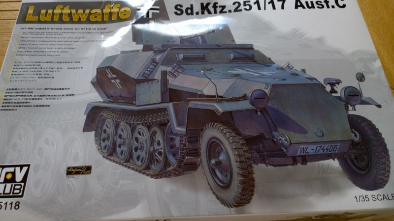 Sd.Kfz.251/17 Ausf.C - AFV CLUB au 1/35e Wp_20325