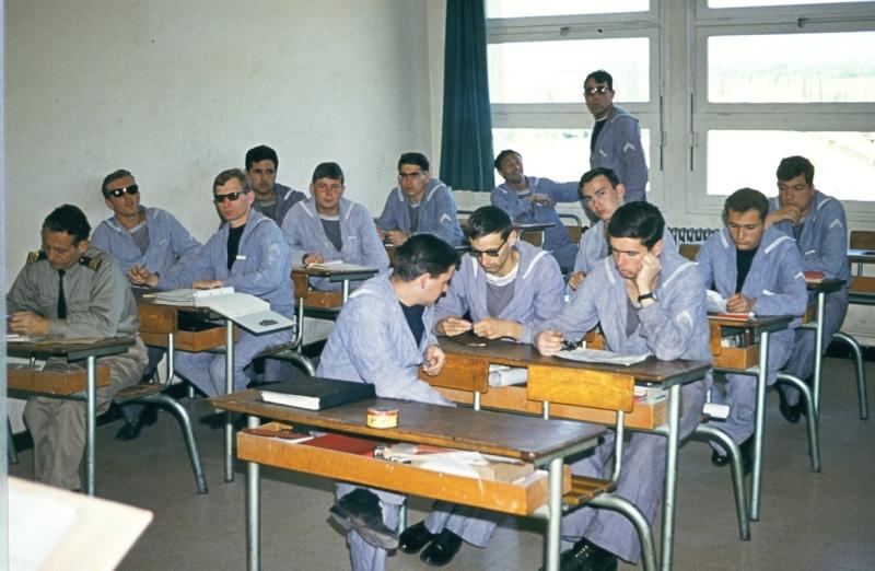 [Les écoles de spécialités] ÉCOLE DES RADIOS LES BORMETTES - Tome 3 - Page 14 90550010