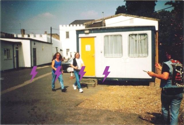 1995 / 08 / 22 - UK, Windsor, Bray studios 1211