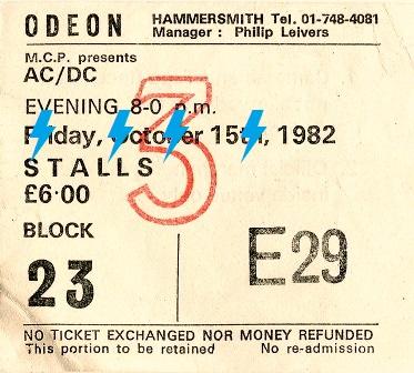1982 / 10 / 15 - UK, London, Hammersmith Odeon 193