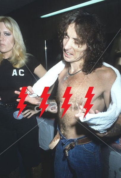 1977 / 08 / 24 - USA, New York, CBGB 414