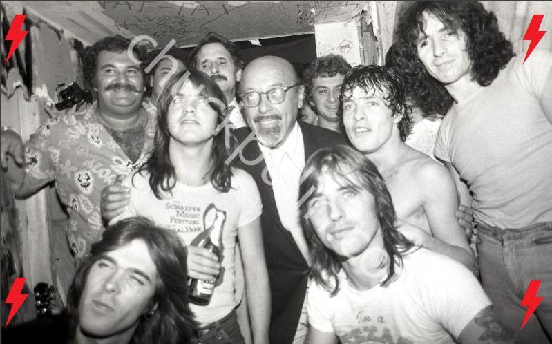 1977 / 08 / 24 - USA, New York, CBGB 613