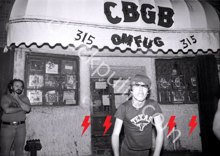 1977 / 08 / 24 - USA, New York, CBGB 713