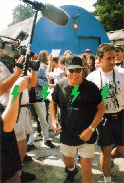 1995 / 08 / 22 - UK, Windsor, Bray studios 814