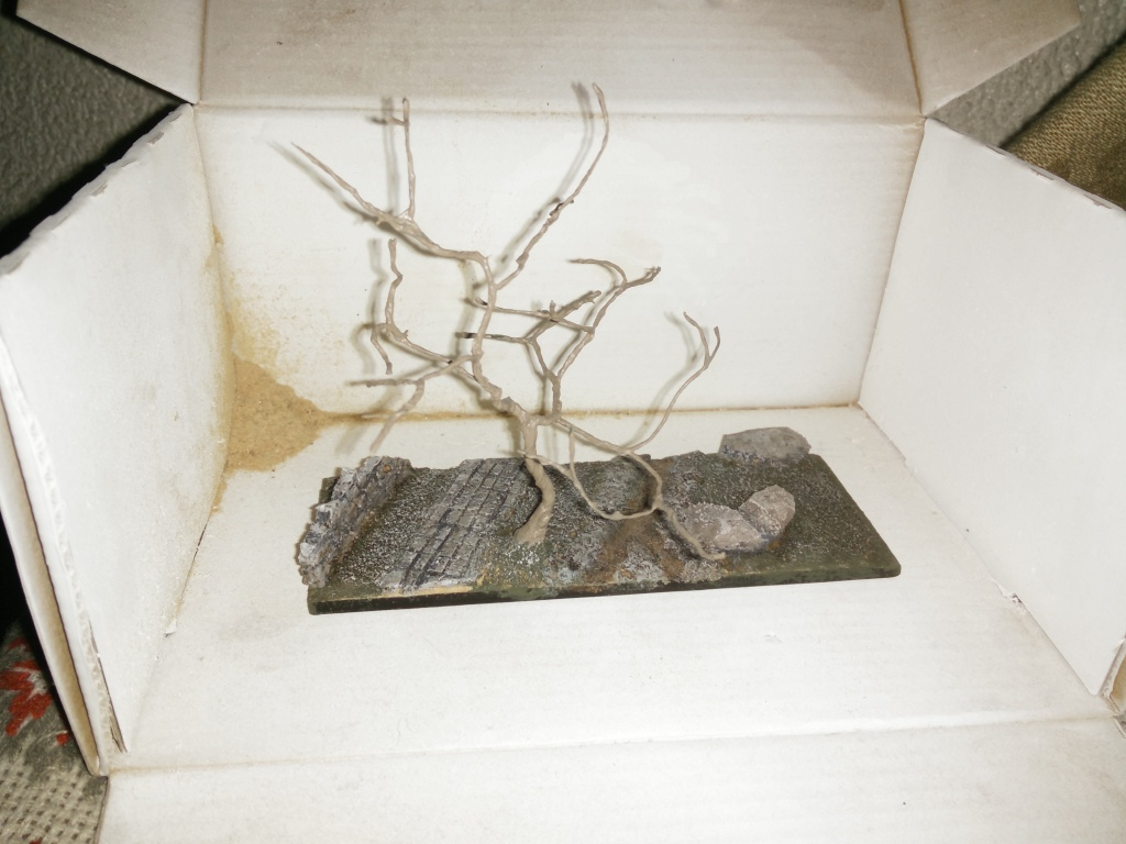 diorama petit ruisseau avec arbre Img_2045