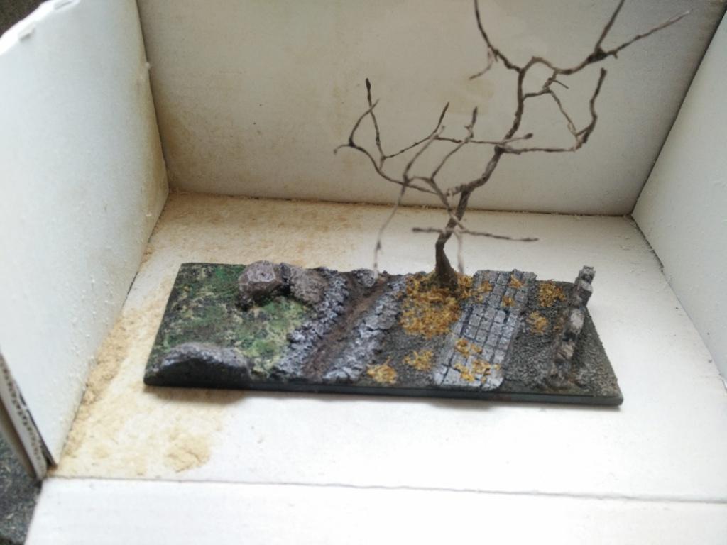diorama petit ruisseau avec arbre Img_2047