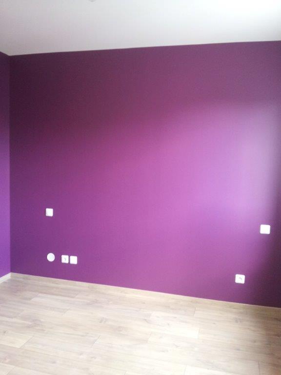 Décoration de la chambre parentale - Peinture couleur prune et lin 20150419