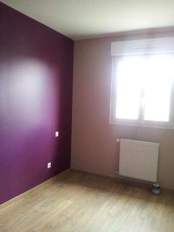 Décoration de la chambre parentale - Peinture couleur prune et lin 20150420