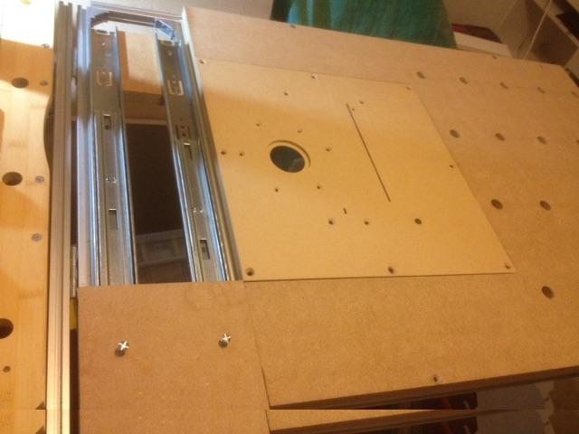 Electro-portatifs sous table (d'inspiration Festool, Woodpeckers, Wolfcraft...) et aménagements atelier  - Page 2 210