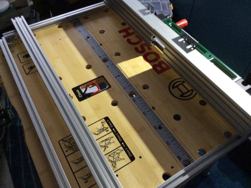 Electro-portatifs sous table (d'inspiration Festool, Woodpeckers, Wolfcraft...) et aménagements atelier  Img_0010