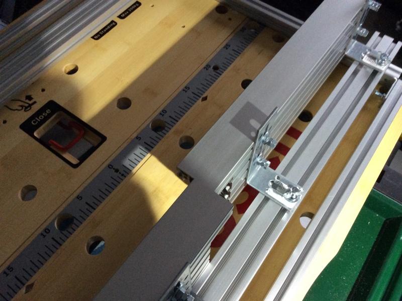 Electro-portatifs sous table (d'inspiration Festool, Woodpeckers, Wolfcraft...) et aménagements atelier  Img_0012