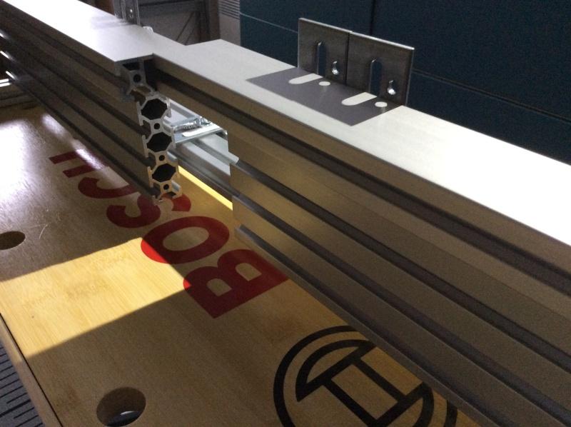 Electro-portatifs sous table (d'inspiration Festool, Woodpeckers, Wolfcraft...) et aménagements atelier  Img_0013