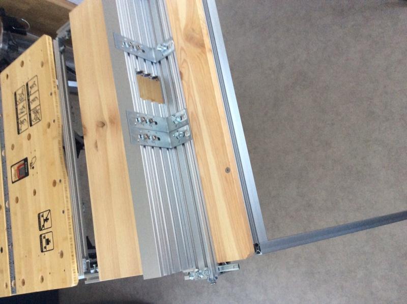 Electro-portatifs sous table (d'inspiration Festool, Woodpeckers, Wolfcraft...) et aménagements atelier  Img_0025