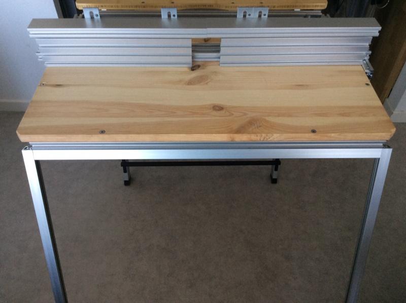 Electro-portatifs sous table (d'inspiration Festool, Woodpeckers, Wolfcraft...) et aménagements atelier  Img_0028