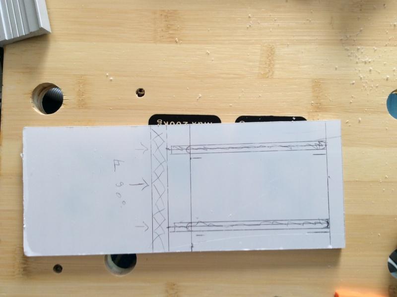 Electro-portatifs sous table (d'inspiration Festool, Woodpeckers, Wolfcraft...) et aménagements atelier  - Page 2 Img_0033
