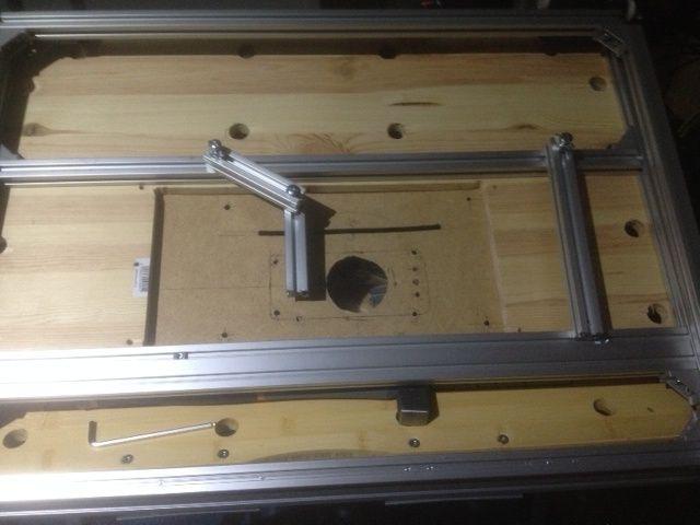 Electro-portatifs sous table (d'inspiration Festool, Woodpeckers, Wolfcraft...) et aménagements atelier  - Page 2 Sans_t12